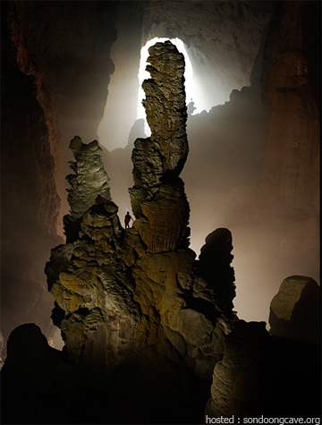 These rocks like cactus in Loong con cave(Vietnamese : Hang Lo�ng Con)